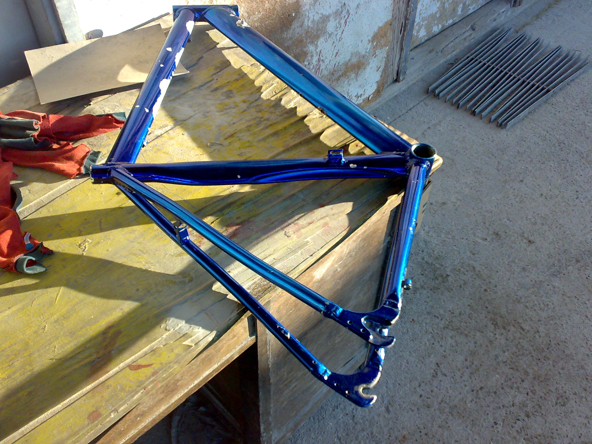 how to paint aluminium bicycle frame step by step guide. Black Bedroom Furniture Sets. Home Design Ideas